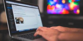 como ganar dinero escribiendo blogs